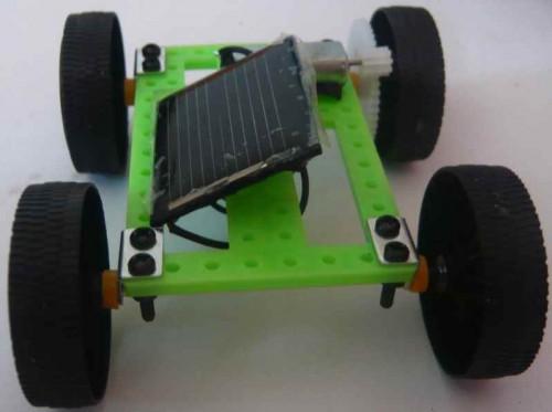 Autíčko na solární pohon